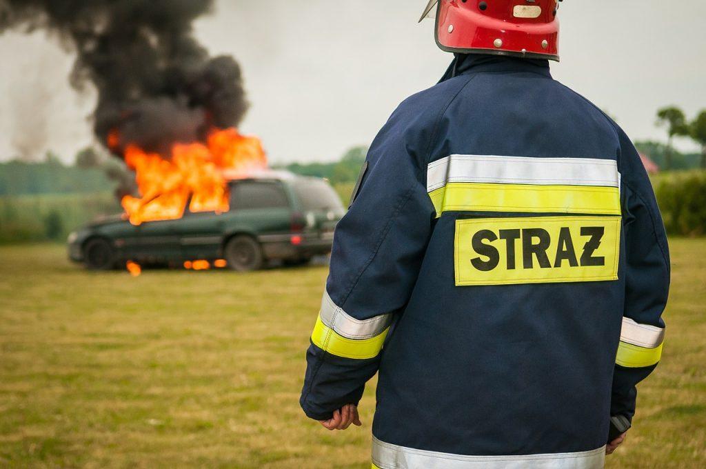 firefighter-484541_1280