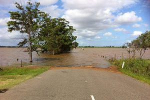 水害(洪水・大雨等)のお見舞いの手紙の書き方と例文